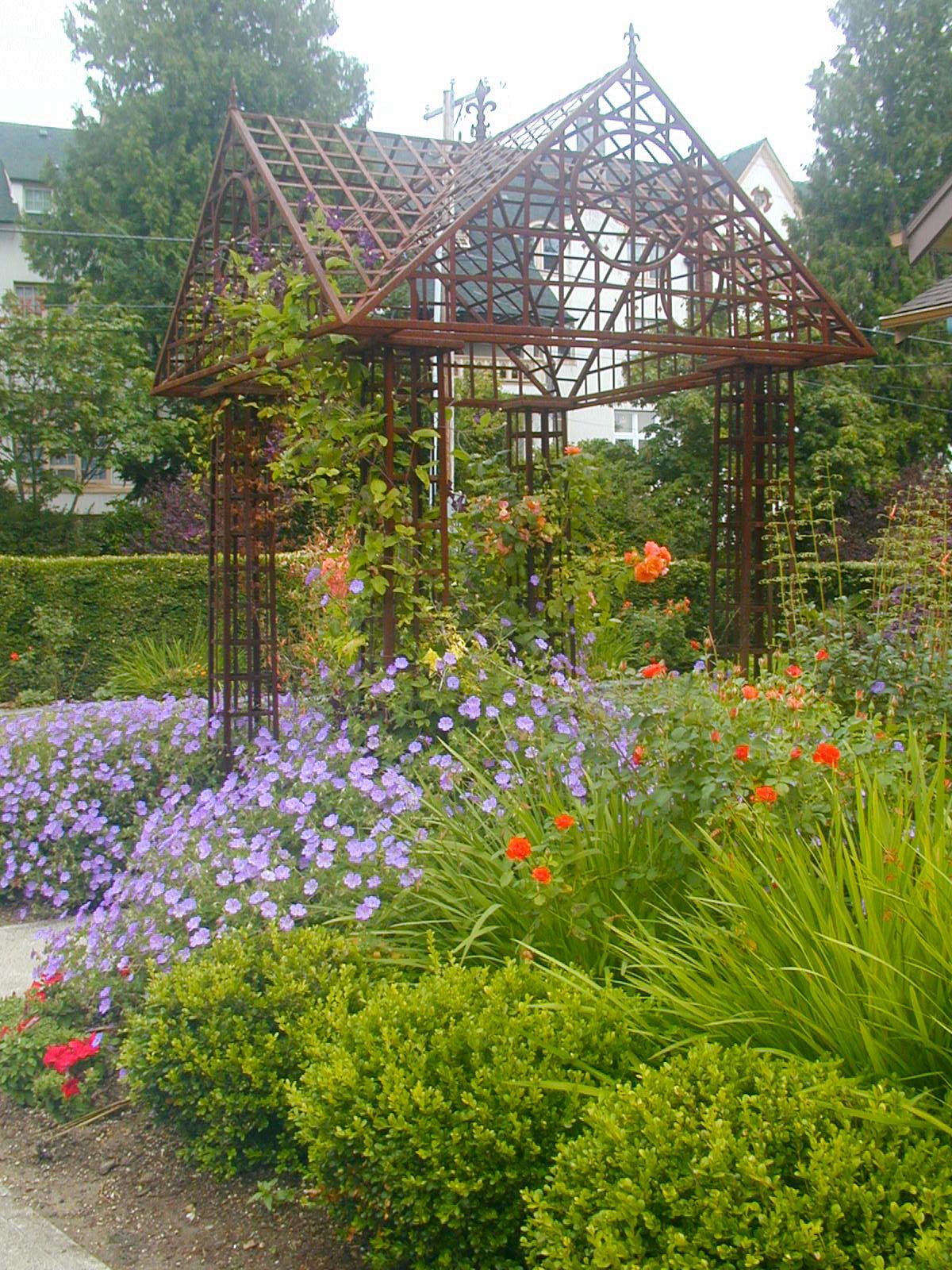 Formal Mediterranean Garden - Creative Landscapes, Inc.